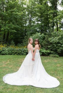 View More: http://lisaprovencalphotography.pass.us/taraandalison2018